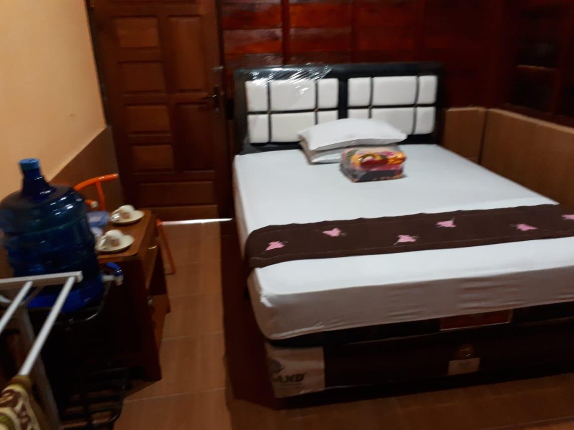 Kamar Tidur Penginapan Harau King Bed