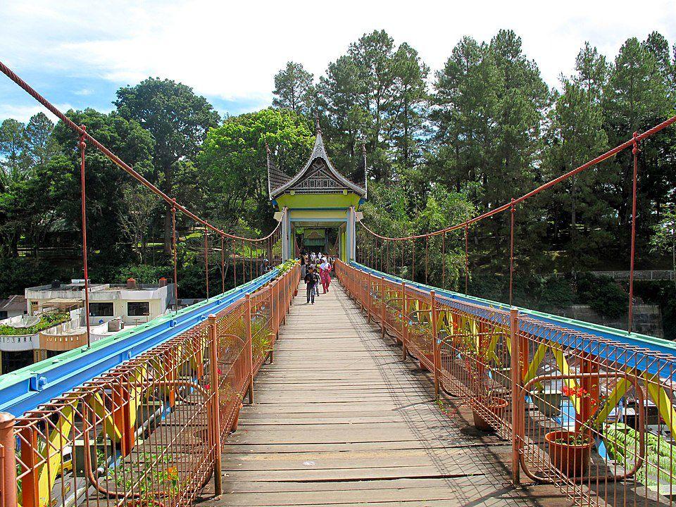 wisata-sumbar-jembatan-limpapeh